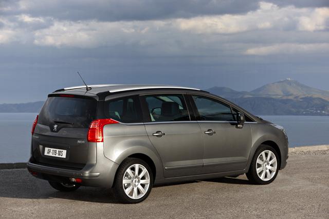 Le auto a benzina più parsimoniose Peugeot 5008
