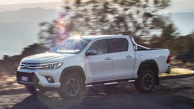 Toyota hilux listino prezzi auto motori for Macchine da cucire toyota prezzi
